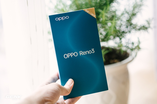 Đập hộp OPPO Reno3: Thiết kế thanh thoát, 4 camera sau, màn hình giọt nước - Ảnh 1.