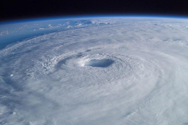 Phân tích dữ liệu bão suốt 40 năm, kết quả nghiên cứu mới cho thấy biến đổi khí hậu khiến bão nhiệt đới ngày một mạnh hơn - Ảnh 2.