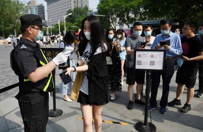"""Trung Quốc: Sát nhân trốn nã hàng chục năm bất ngờ """"đầu thú"""" vì không có mã QR sức khỏe - Ảnh 1."""