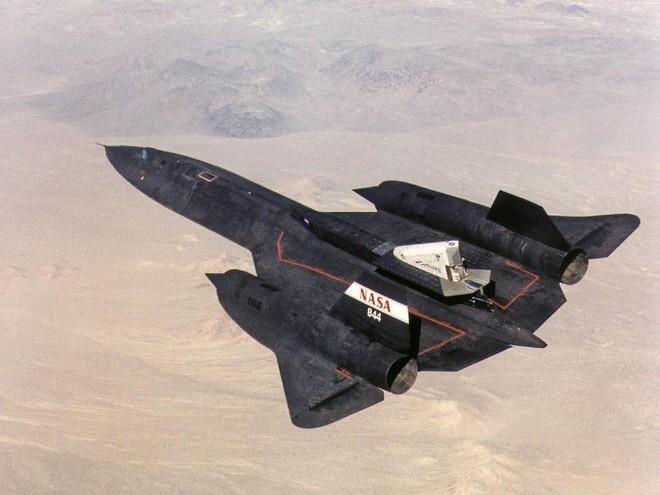SR-71 Blackbird, chiếc máy bay yêu thích của Elon Musk và Grimes, có gì đặc biệt? - Ảnh 3.