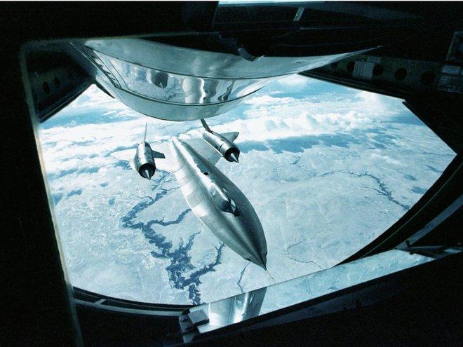 SR-71 Blackbird, chiếc máy bay yêu thích của Elon Musk và Grimes, có gì đặc biệt? - Ảnh 11.