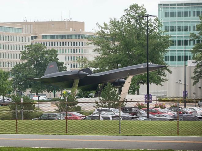SR-71 Blackbird, chiếc máy bay yêu thích của Elon Musk và Grimes, có gì đặc biệt? - Ảnh 5.