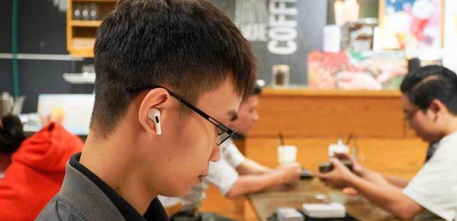 Apple sắp sản xuất hàng triệu AirPods tại Việt Nam - Ảnh 1.