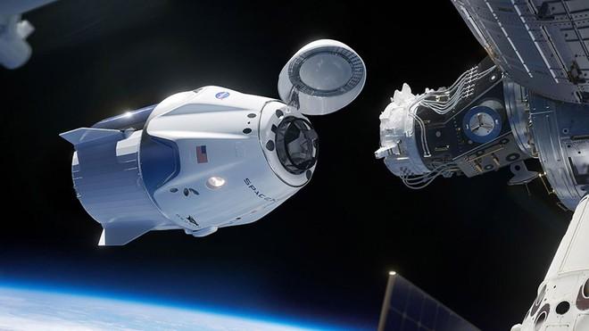 Điều khiển tàu vũ trụ SpaceX bằng màn hình cảm ứng dễ như thể đang chơi game trên máy tính bảng - Ảnh 4.