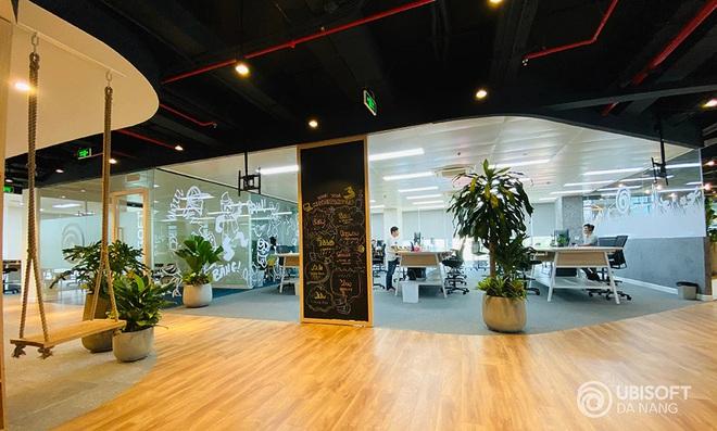 """""""Cha đẻ"""" của Assassins Creed chính thức mở studio phát triển game ở Đà Nẵng: Văn phòng đẹp mê ly, sẽ tuyển dụng 100 nhân sự - Ảnh 2."""