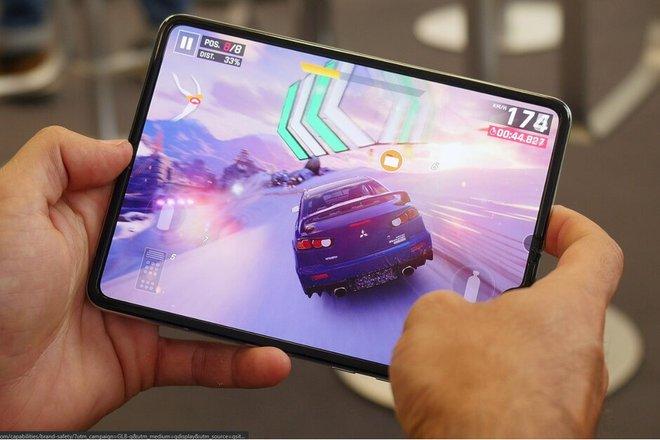 Lộ thiết kế Samsung Galaxy Fold 2, màn hình phụ 6,23 inch, cụm camera sau hình chữ nhật - Ảnh 1.