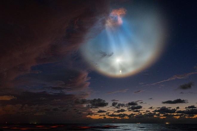 Màn phóng tàu thành công của SpaceX gây ra mây dạ quang - hiện tượng thiên nhiên hiếm gặp và đẹp mê hồn - Ảnh 6.