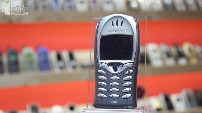 Nhìn lại (Sony) Ericsson T68: chiếc điện thoại mang nhiều bước tiên phong, với camera gắn ngoài độc đáo và cũng đánh dấu sự rút lui khỏi thị trường di động của Ericsson - Ảnh 3.
