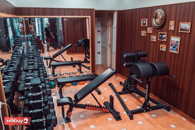 Khám phá phòng gym hơn 1,2 triệu đồng cho 90 phút tập luyện của vận động viên cử tạ huy chương vàng toàn quốc - Ảnh 6.