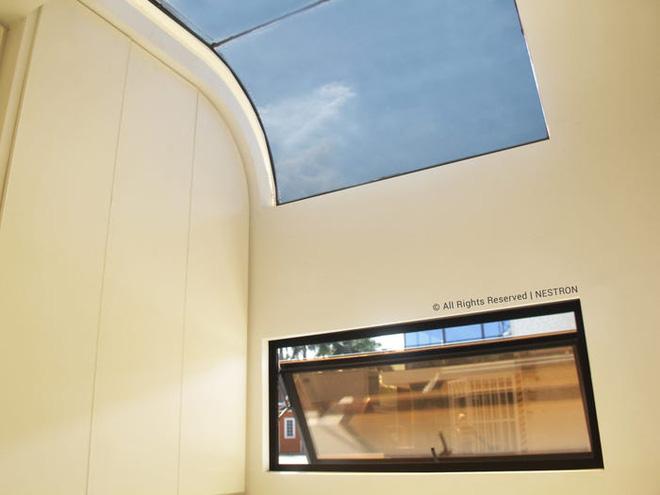 Ngôi nhà mini như bước ra từ phim viễn tưởng, gọn gàng nhưng đủ không gian cho gia đình 4 người - Ảnh 6.