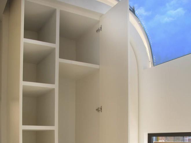 Ngôi nhà mini như bước ra từ phim viễn tưởng, gọn gàng nhưng đủ không gian cho gia đình 4 người - Ảnh 5.