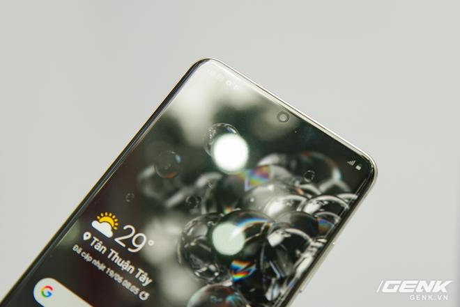 Trên tay nhanh Galaxy S20 Ultra Trắng thiên vân: đẹp không tì vết, chỉ có 1000 máy, giá gần 30 triệu nhưng trừ quà đi chỉ còn 18 triệu - Ảnh 7.