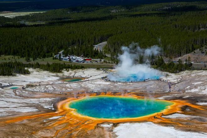 Liên tục diễn ra 11 trận động đất tại Công viên Quốc gia Yellowstone - Ảnh 1.