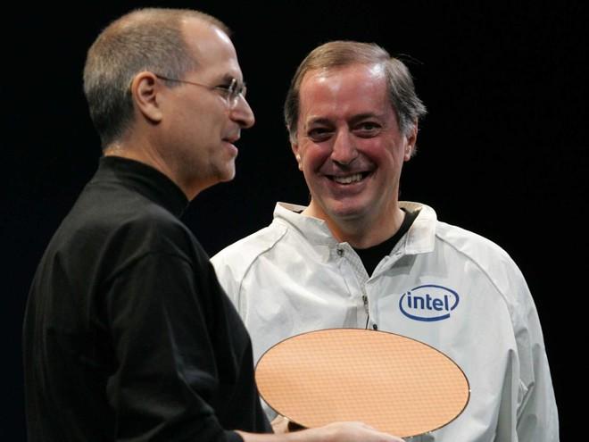 iFan dùng MacBook có cần phải lo lắng khi Apple chuyển máy Mac từ chip Intel sang chip ARM? - Ảnh 1.
