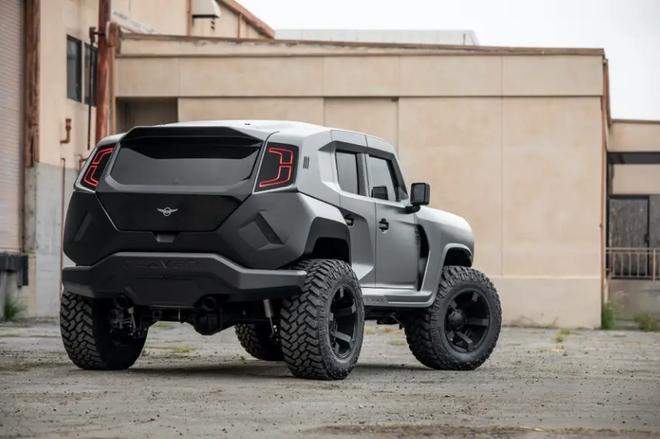 Cùng xem bên trong siêu XUV giá 295.000 USD với hệ thống nhìn đêm, giáp chống đạn và màn khói - Ảnh 8.