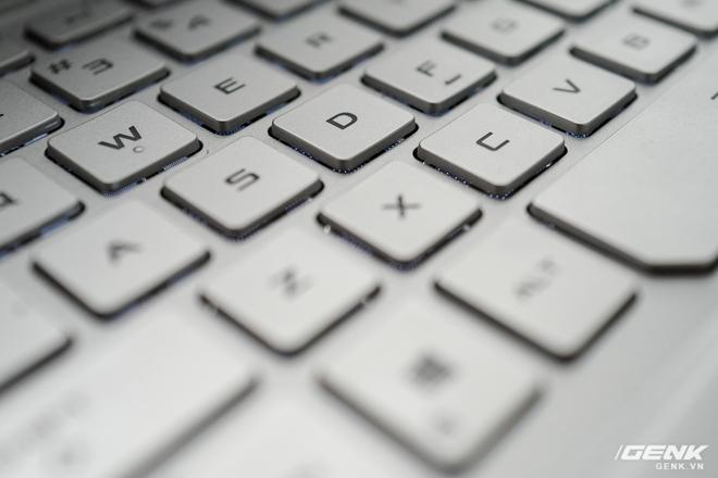 Trải nghiệm nhanh ASUS Zephyrus G14: Chiếc laptop độc nhất trên thị trường có đèn Mini LED trang trí ở nắp máy, giá tại Việt Nam từ 26,99 triệu đồng - Ảnh 8.