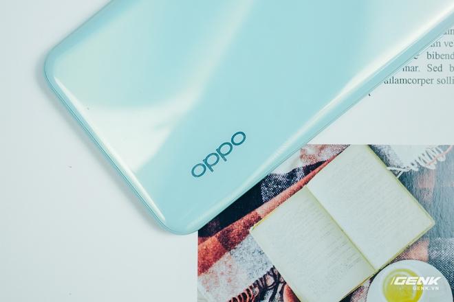 Mở hộp OPPO A52: Anh em sinh đôi với OPPO A92 nhưng có giá rẻ hơn - Ảnh 4.