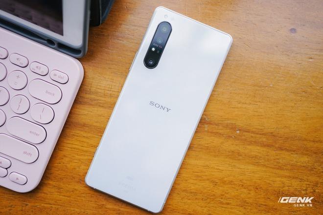 Trên tay Sony Xperia 1 II tại VN: Siêu phẩm với màn hình 4K HDR, camera cực chuyên nghiệp, giá gần 30 triệu đồng - Ảnh 4.