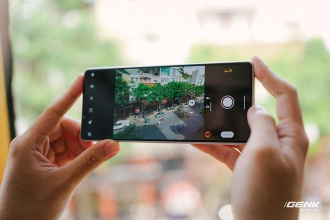 Trên tay Sony Xperia 1 II tại VN: Siêu phẩm với màn hình 4K HDR, camera cực chuyên nghiệp, giá gần 30 triệu đồng - Ảnh 16.