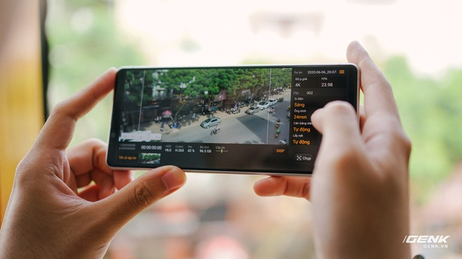 Trên tay Sony Xperia 1 II tại VN: Siêu phẩm với màn hình 4K HDR, camera cực chuyên nghiệp, giá gần 30 triệu đồng - Ảnh 18.