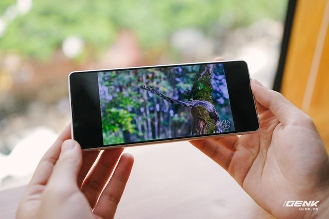 Trên tay Sony Xperia 1 II tại VN: Siêu phẩm với màn hình 4K HDR, camera cực chuyên nghiệp, giá gần 30 triệu đồng - Ảnh 10.