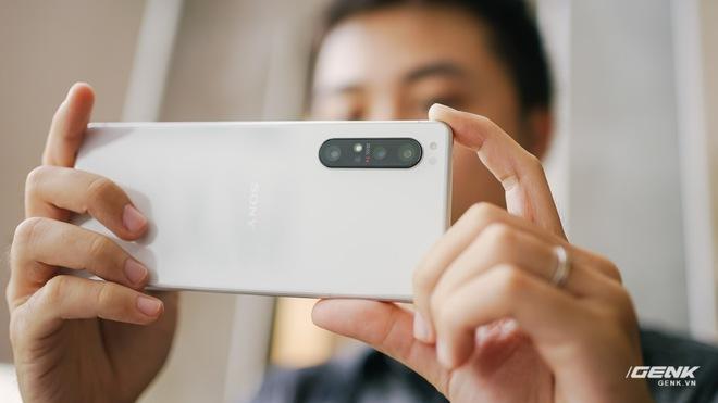 Trên tay Sony Xperia 1 II tại VN: Siêu phẩm với màn hình 4K HDR, camera cực chuyên nghiệp, giá gần 30 triệu đồng - Ảnh 7.