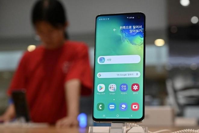 Samsung Display dẫn đầu thị trường màn hình OLED trên toàn cầu trong Q1/2020 - Ảnh 1.