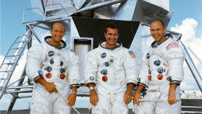Nhờ chàng trai trẻ 25 tuổi phát hiện ra công tắc đến chuyên gia còn không biết, sứ mệnh Apollo 12 của NASA mới không biến thành thảm kịch - Ảnh 1.