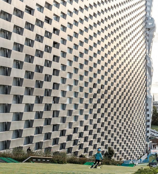 Ngắm nhìn bức tường leo núi cao nhất thế giới được xây dựng ngay trên một tòa nhà cao tầng - Ảnh 13.