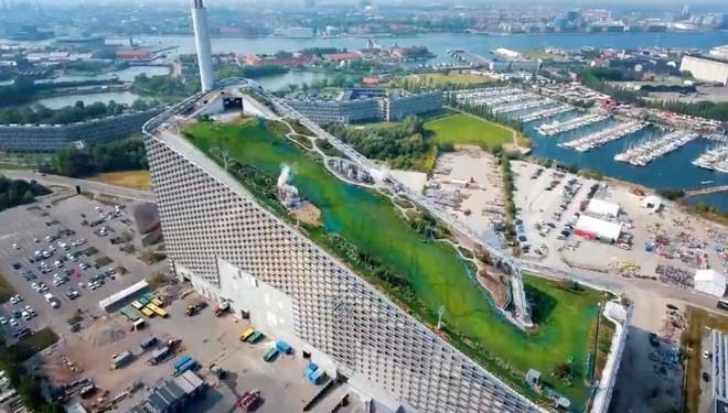 Ngắm nhìn bức tường leo núi cao nhất thế giới được xây dựng ngay trên một tòa nhà cao tầng - Ảnh 8.