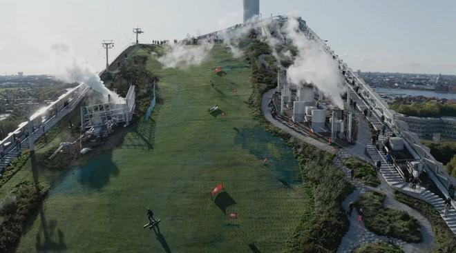 Ngắm nhìn bức tường leo núi cao nhất thế giới được xây dựng ngay trên một tòa nhà cao tầng - Ảnh 10.