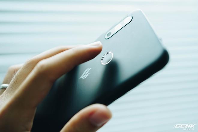 Trên tay Vsmart Star 4: Chiếc điện thoại có thể gây bối rối từ VinSmart - Ảnh 7.