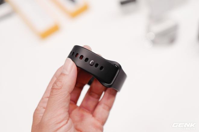 Realme mở rộng hệ sinh thái sản phẩm tại Việt Nam, ra mắt cùng lúc điện thoại, tai nghe và đồng hồ thông minh - Ảnh 4.