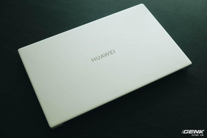 Trên tay Huawei MateBook D15: Khi không thể bán điện thoại, tại sao không chuyển sang bán laptop? - Ảnh 3.