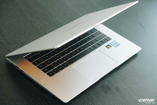 Trên tay Huawei MateBook D15: Khi không thể bán điện thoại, tại sao không chuyển sang bán laptop? - Ảnh 18.