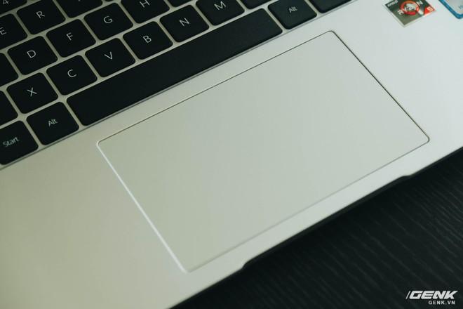 Trên tay Huawei MateBook D15: Khi không thể bán điện thoại, tại sao không chuyển sang bán laptop? - Ảnh 10.