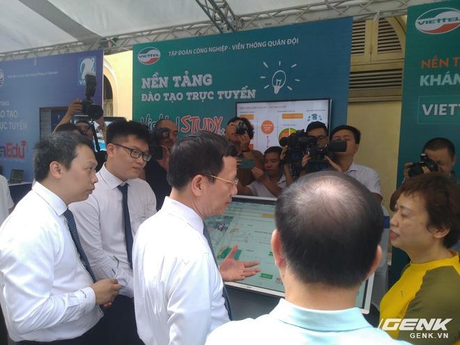Triển lãm các nền tảng số của Việt Nam: thiết bị 5G của Viettel, Vsmart, Bizfly Cloud cùng nhiều giải pháp chuyển đổi số cho mùa dịch - Ảnh 2.