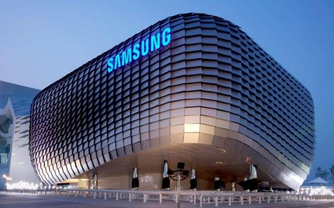Không mua đủ tấm nền OLED như đã cam kết, Apple nộp phạt gần 1 tỷ USD cho Samsung - Ảnh 1.