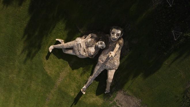 Cùng là những bức tượng khổng lồ nhưng khu vui chơi ở Đà Lạt bị chê tơi tả, công viên này lại khiến thế giới phải lác mắt vì quá nghệ - Ảnh 8.
