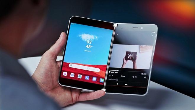 Một thiết bị nửa nạc nửa mỡ như Surface Duo sẽ dành cho ai? - Ảnh 1.