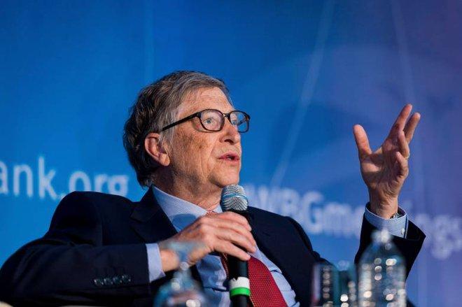 Tỷ phú Bill Gates cho rằng dịch bệnh Covid-19 lây lan với tốc độ chóng mặt là do Facebook - Ảnh 1.