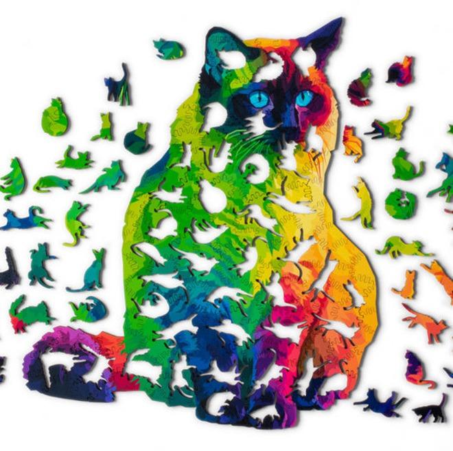"""Bộ xếp hình mèo này đã phá vỡ kiểu dáng truyền thống của 1 bộ xếp hình thông thường khi các mảnh ghép được thiết kế theo hàng loạt tư thế khác nhau của """"boss""""."""