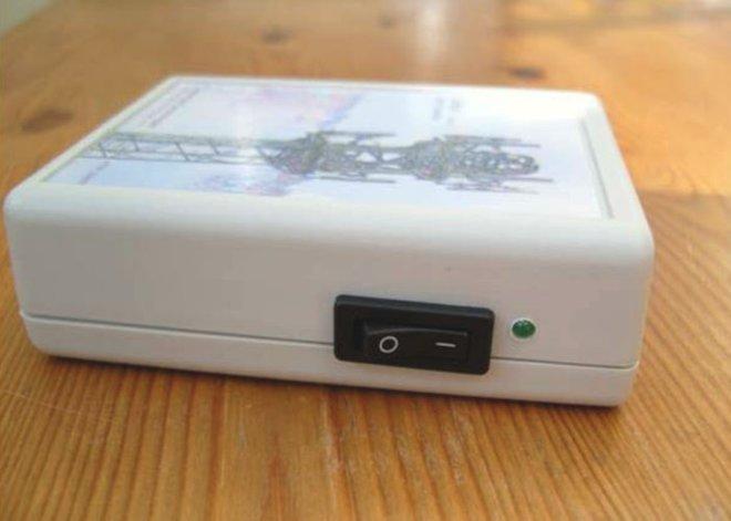 Bỏ 250 USD mua thiết bị chống 5G, hóa ra bên trong chỉ là một công tắc với đèn LED - Ảnh 2.