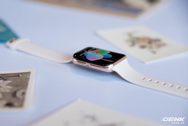 Trên tay OPPO Watch Sơn Tùng M-TP đeo trong MV Có Chắc Yêu Là Đây: Rất đẹp, hoàn thiện tốt không thua Apple Watch, nhìn nghiêng thấy khác biệt - Ảnh 4.