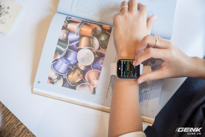 Trên tay OPPO Watch Sơn Tùng M-TP đeo trong MV Có Chắc Yêu Là Đây: Rất đẹp, hoàn thiện tốt không thua Apple Watch, nhìn nghiêng thấy khác biệt - Ảnh 11.
