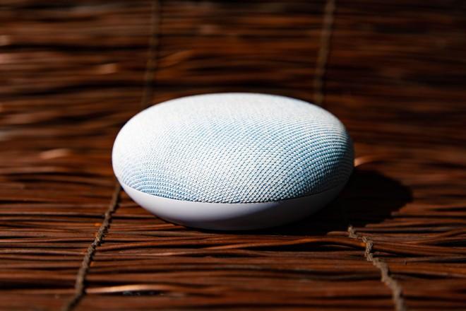 Google Home: 9 điều đơn giản mà Google Assistant lép vế trước Alexa - Ảnh 1.