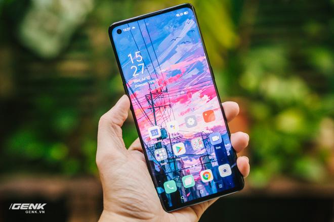 Đây là smartphone thương mại với khả năng sạc nhanh vô đối nhất tại Việt Nam hiện nay - Ảnh 1.