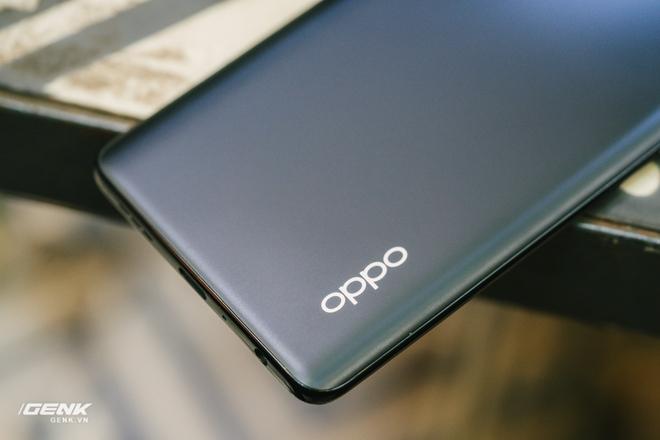 Đây là smartphone thương mại với khả năng sạc nhanh vô đối nhất tại Việt Nam hiện nay - Ảnh 2.