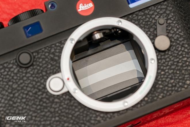 Đập hộp máy ảnh Leica M10-R: Vẫn là nét lạnh lùng hấp dẫn, cảm biến 40-megapixel, giá 219 triệu đồng - Ảnh 10.