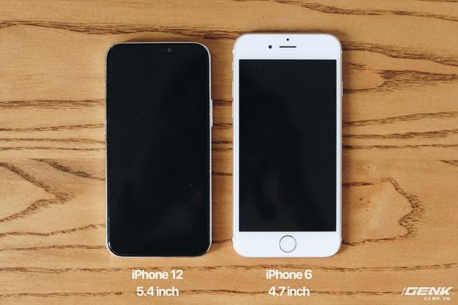 Trên tay mô hình iPhone 12, iPhone 12 Max, iPhone 12 Pro và iPhone 12 Pro Max tại Việt Nam - Ảnh 4.